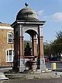 Drinking Fountain, Roehampton, April 2014 05.jpg