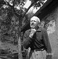 Drugi del obrednega zdravljenja grla s figo in slino, Skomarje 1963.jpg
