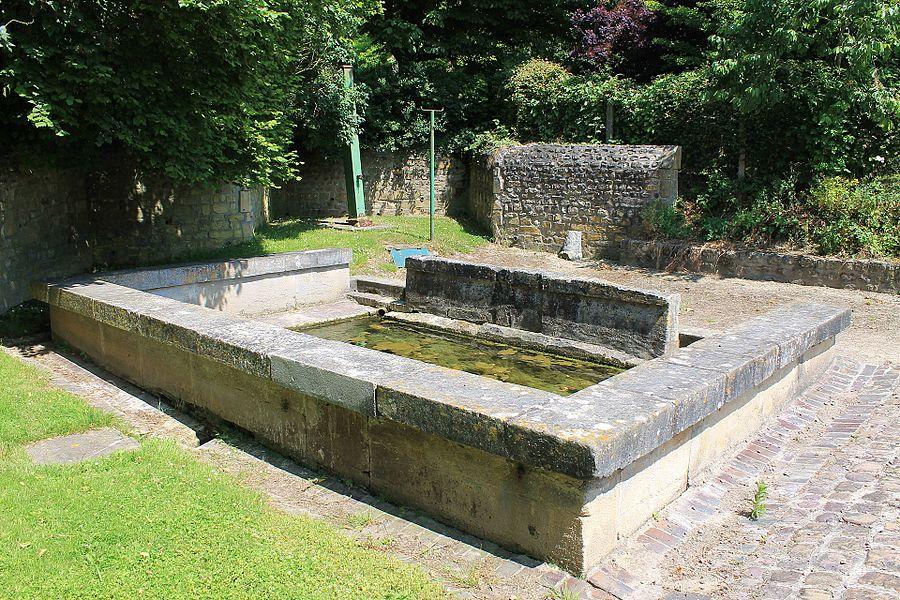 Lavoir du XIXe à Ducy-Sainte-Marguerite (Calvados)
