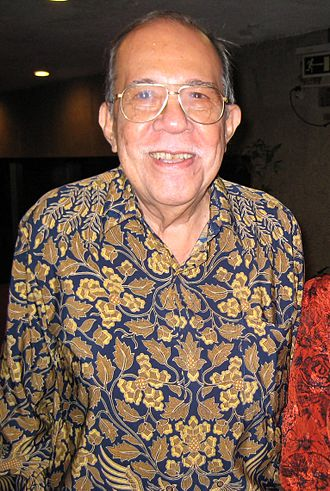 Metro Manila Film Festival Award for Best Director - Eddie Romero won in 1976 for his directing in Ganito Kami Noon, Paano Kayo Ngayon.
