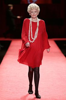 Elaine Stritch, Red Dress Collection 2006.jpg