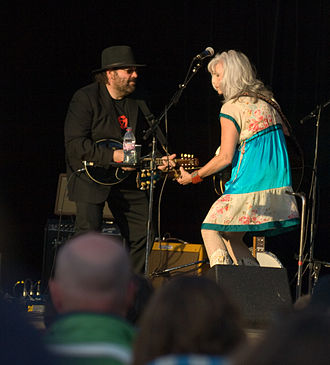 Colin Linden - Colin Linden performing with Emmylou Harris in 2008