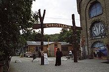 220px-Entr%C3%A9e_de_Christiania.jpg