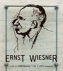 Ernst Wiesner - pamětní deska Brno.jpg