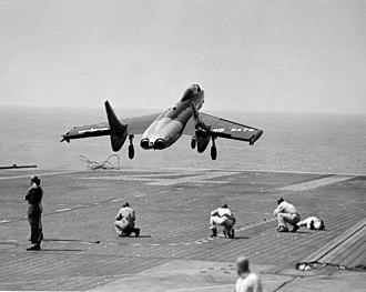 Vought F7U Cutlass - Image: F7U 1 CVB 41 launch 2 1941