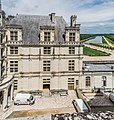 Facade of the Chambord Castle 04.jpg