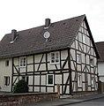 Fachwerkwohnhaus des 18. Jh. einer Hofanlage - Früher Karl Bold Lebensmittel (Südseite) - Meinhard-Grebendorf Kirchstraße 27 - panoramio.jpg