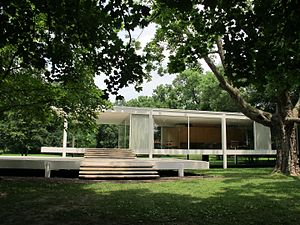 Plano, Illinois - Farnsworth House in July 2011