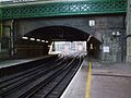 Farringdon station Thameslink platforms look south to junction.JPG