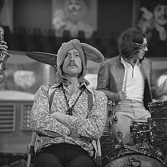 Vivian Stanshall - Stanshall with The Bonzo Dog Band on the Dutch TV show Fenklup, 1968