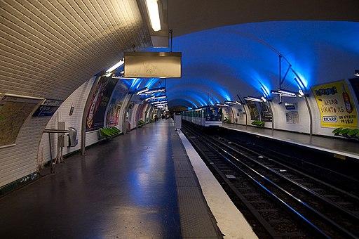 Flickr - Whiternoise - Metro Station, Paris