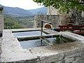 Fontaine à Cantobre 12230 - panoramio.jpg