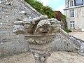 Fontaine au château de Catuélan (sculpture).jpg