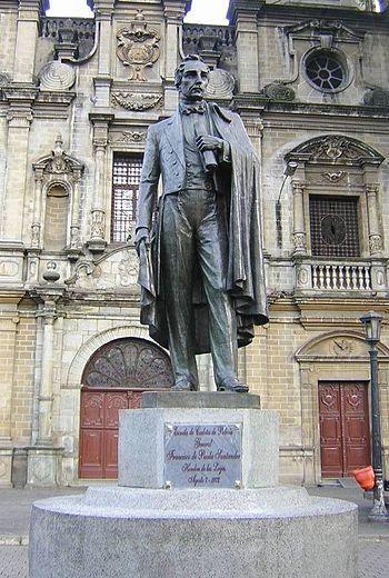 Francisco de Paula Santander-Estatua-Medellin