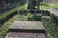 Frankfurt, Hauptfriedhof, Grab A 24 Arthur Schopenhauer und A 24a Arthur Hübscher.JPG