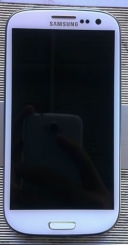 Front of Samsung Galaxy S III.jpg