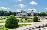 Garden of Diane de Poitiers in the Castle of Chenonceau 05.jpg