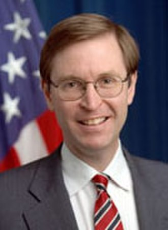 Glenn Hubbard (economist) - Image: Glenn Hubbard portrait