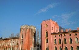 Palazzo in piazza Matteotti.
