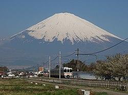 Gotemba Line JRC EC313-2000 Mt.Fuji 20110425.jpg