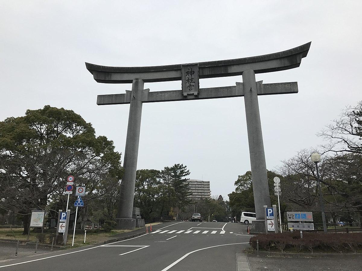 Grand torii of Kambashira Shrine.jpg