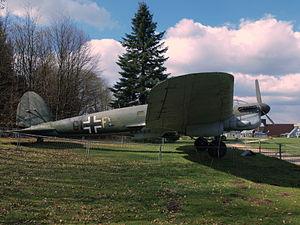 Heinkel HE 111 H16 pic-5.JPG