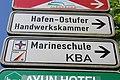 Hinweisschilder zum Hafen-Ostufer, MSM, KBA etc (Flensburg 2014-05-17), Bild 02.jpg