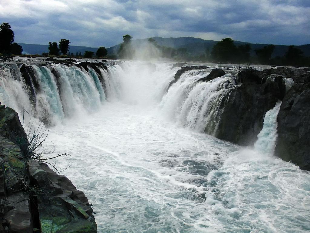 105 водопадов