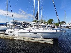 Hunter 386 - Image: Hunter 386 sailboat 0559