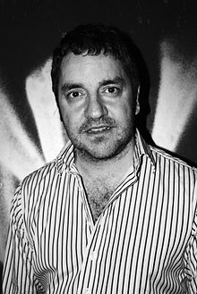 Black and white image of Ian Prowse