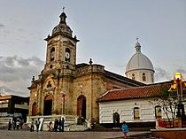 Iglesia-san-miguel-arcangel-paipa.jpg