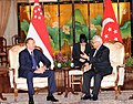 Ilham Aliyev and President of Singapore Tony Tan held a meeting in an expanded format with the participation of delegations, 2012 04.jpg
