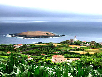 Topo (Calheta) - The islet of the parish of Topo is the extreme easterly extension of the island of São Jorge, as seen from the villa of Topo