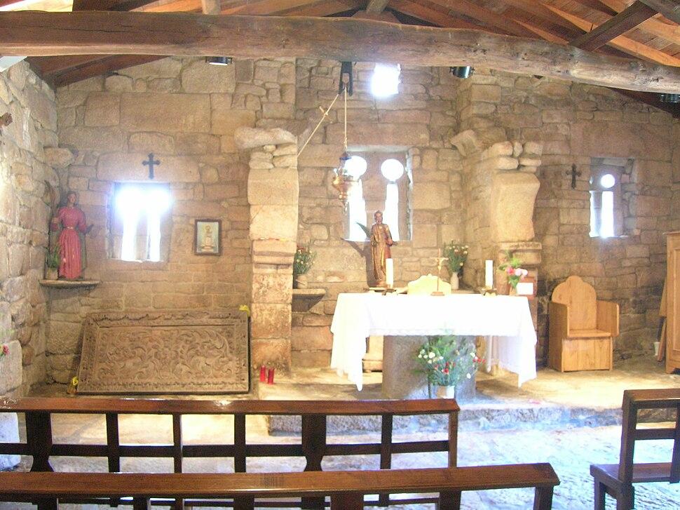 Interior igrexa de Santa Eufemia de Ambía, Ambía, Baños de Molgas