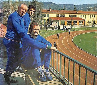 Sandro Mazzola - Mazzola relaxing with Azzurri in 1974 alongside manager Valcareggi and teammate Capello