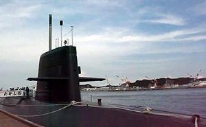 JS Takashio (SS-597) at Yokosuka, -6 Aug. 2011 a.jpg