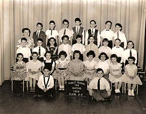 Joey Ramone - Jeff Hyman aka Joey Ramone 2nd grade class photo 1959 PS196 Queens, NY (back row center)