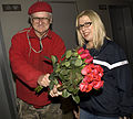 Jude Acers Delivers 2 Dozen Rose to Susan Polgar in New Orleans.jpg