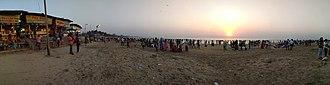 Juhu - Image: Juhu Beach panorma sun set view
