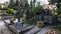 Königsee Katholische Friedenskirche Friedhof zwei gusseiserne Grabkreuze der Grabstätte Familie Bauer.jpg