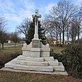 Kříž před kostelem svatého Jana Křtitele v Kalištích (Q67180976).jpg
