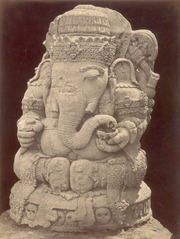 KITLV 87757 - Isidore van Kinsbergen - Sculpture of Ganesha at Bara in Kediri - Before 1900.tif