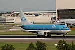 KLM Boeing 737-700 PH-BGW (36825004711).jpg