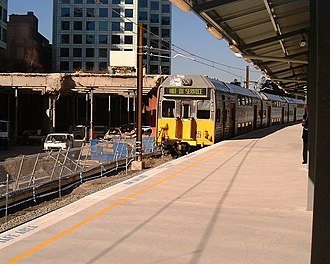 Chatswood railway station - Temporary platform at Chatswood Station during the construction of the Chatswood to Epping line in July 2005