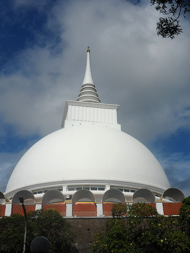 Kalutara Bodhiya – A Relic of History, Religion and Culture