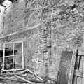 Kapel van het voormalige Agnietenklooster te Zutphen, fragment van de noordwand, in verval - Zutphen - 20227031 - RCE.jpg