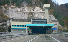 Vjazd do tunela z rakúskej strany