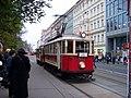 Karlovo náměstí, historická tramvaj.jpg