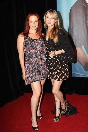 Katherine Hicks - Hicks (left) at the premiere of Hall Pass in 2011.