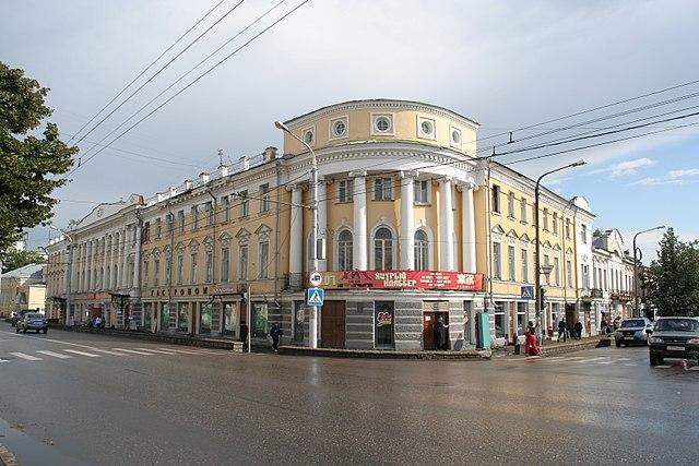 http://upload.wikimedia.org/wikipedia/commons/thumb/5/52/Kazarinov-house-kostroma.jpg/640px-Kazarinov-house-kostroma.jpg?uselang=ru